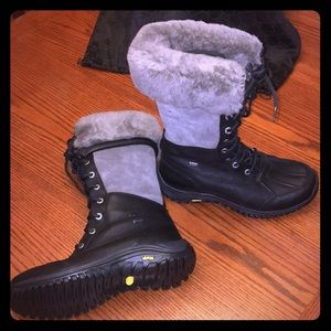 Authentic BNWT UGG Adirondack tall snow boots